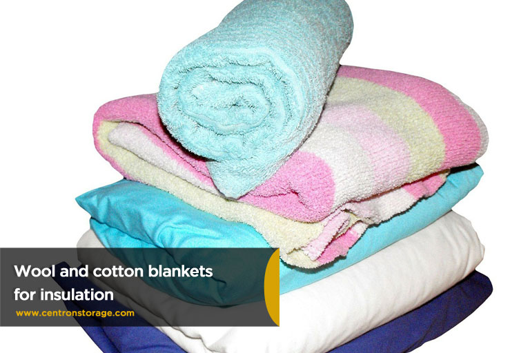 Wool-and-cotton-blankets-for-insulation