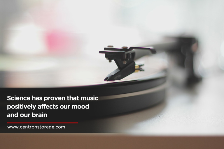 Science-has-proven-that-music-positively-affects-our-mood-and-our-brain